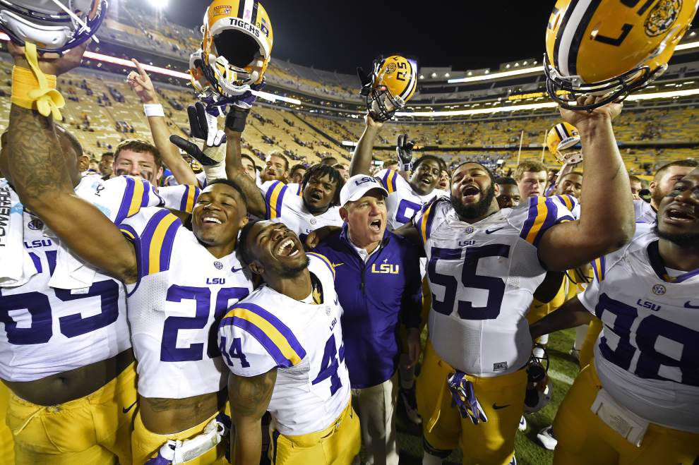 Lewis: With Ole Miss' rolling Rebels up next, LSU flexes on Kentucky _lowres