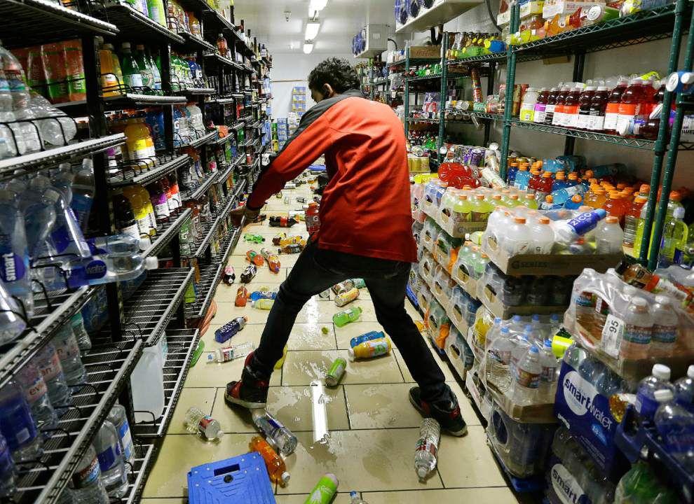 Strong N. California quake causes injuries, damage _lowres