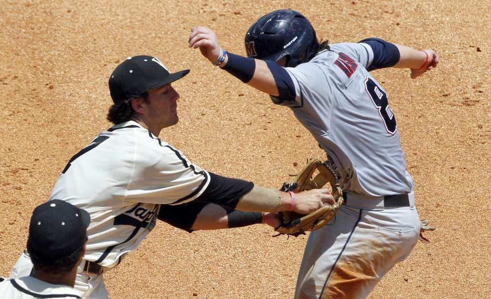 Ole Miss eliminates Vanderbilt; Florida ousts South Carolina _lowres