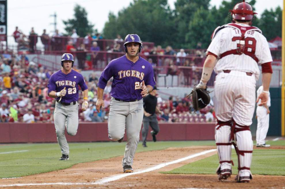 Relievers fall apart; LSU blows early lead in 10-7 loss at South Carolina _lowres