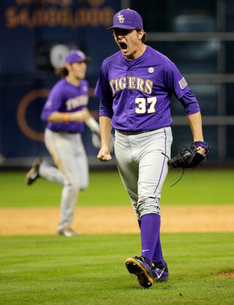 LSU closer Jesse Stallings survives scary ninth inning in Tigers' win over Baylor; Kramer Robertson has two-hit day against Bears _lowres