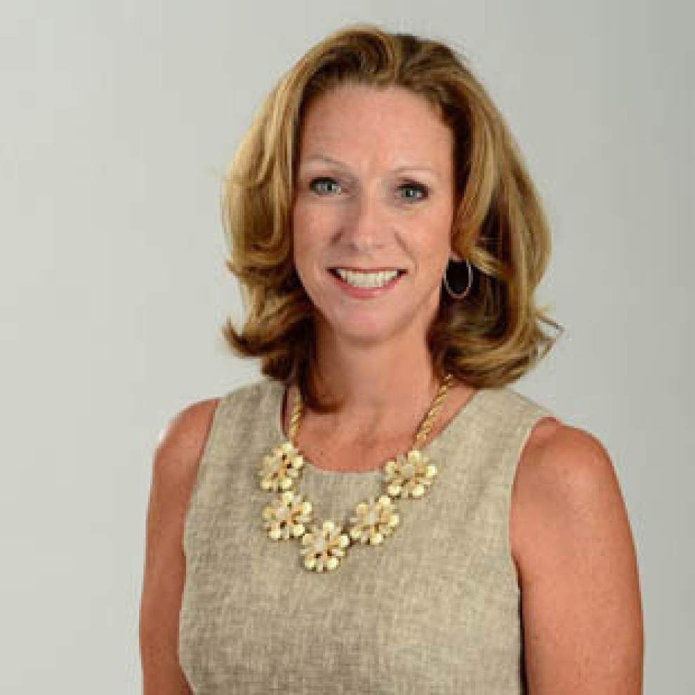 Set for Tulane/Rutgers this weekend, ESPN's Beth Mowins keeps the focus on the game _lowres