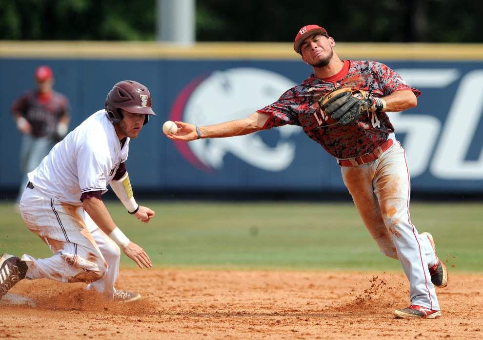 Cajuns advance to Sun Belt baseball tournament final _lowres