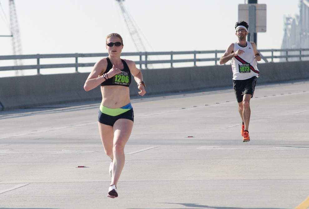 Ian Carr, Ruth Waller take Huey P. Long Bridge Run titles _lowres