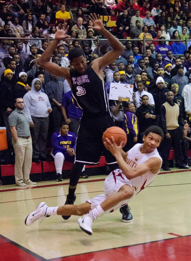 St. Aug holds off Brother Martin _lowres