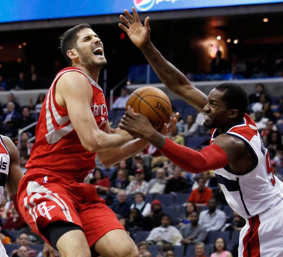 Pelicans swing three-team trade with Rockets, Wizards _lowres