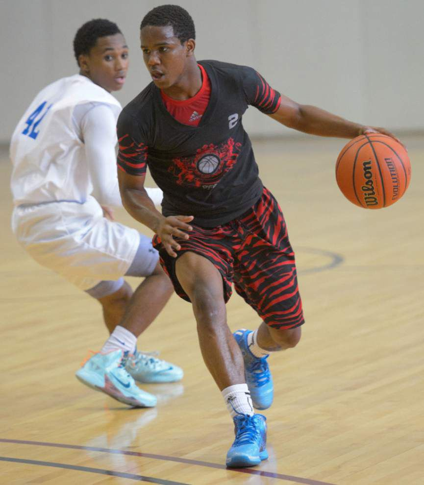 Carver standout Walker reunites with familiar faces in move to Landry-Walker _lowres
