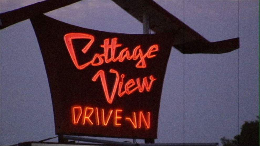 Documentary takes a loving look at drive-in movie theaters _lowres