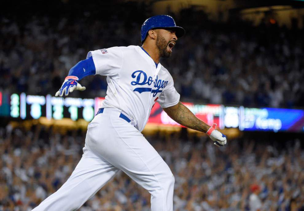 Dodgers top Cardinals 3-2 on Matt Kemp's eighth-inning home run _lowres