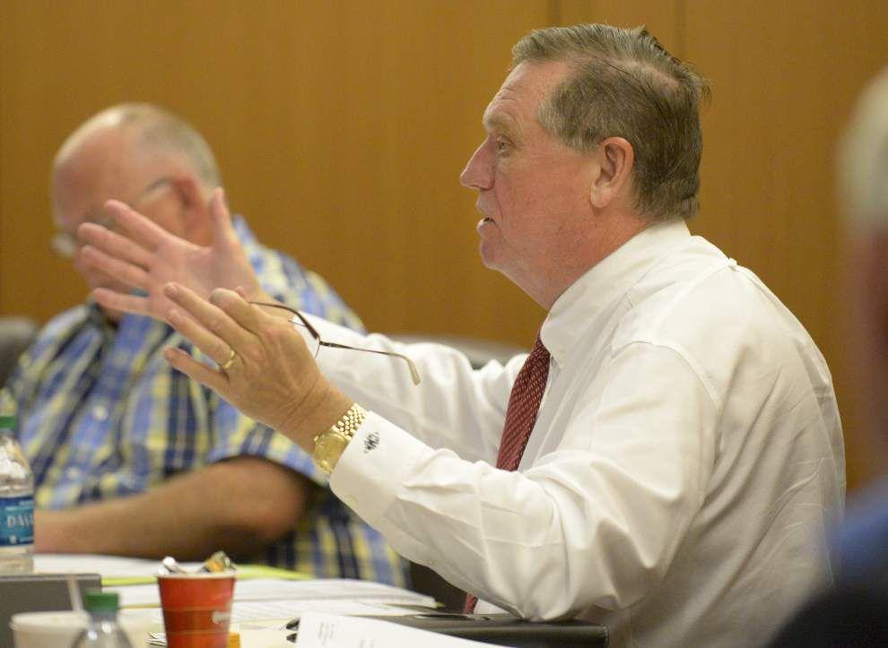 Livingston Council delays gravel pit regulation decision _lowres