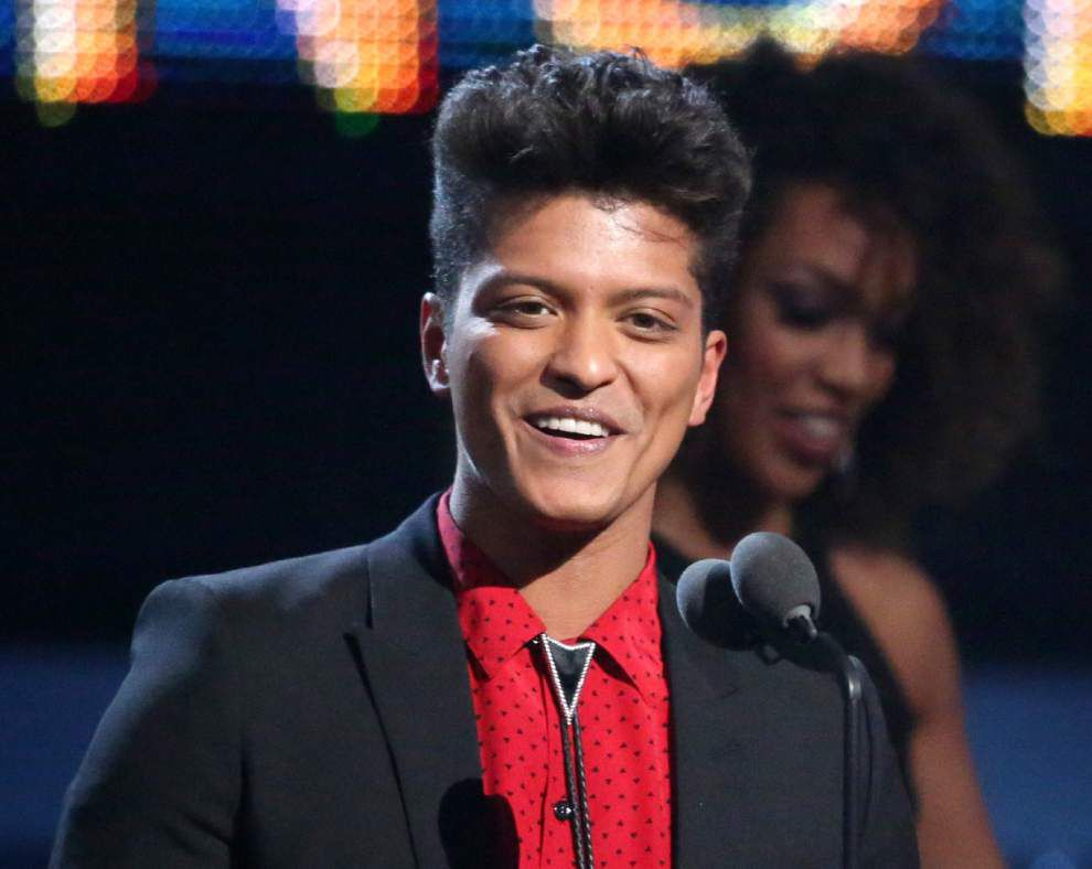 Bruno Mars to talk about Super Bowl halftime show _lowres