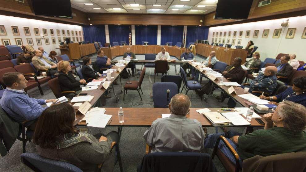 Lafayette school board members briefed on duties at training session _lowres
