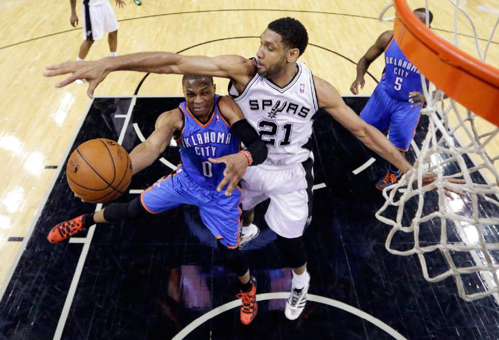 NBA notes: Spurs top Thunder in opener _lowres