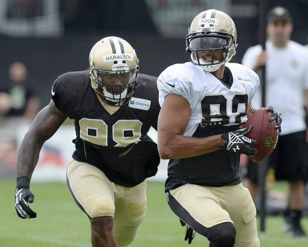 Nick Toon works on receiving skills to score roster spot _lowres