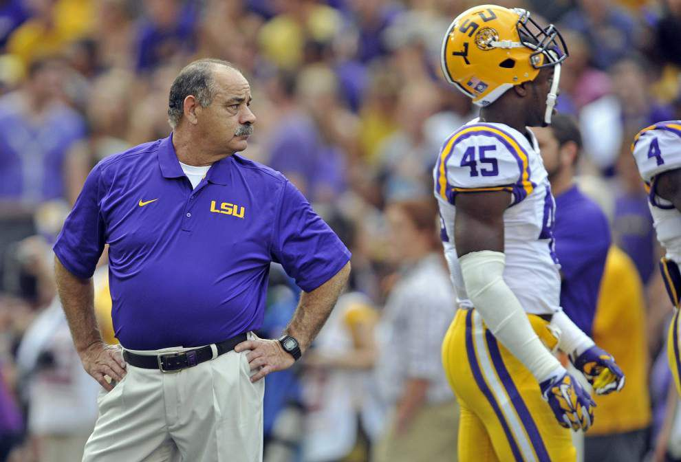 Source: John Chavis tells LSU coach Les Miles that he's leaving for Texas A&M _lowres