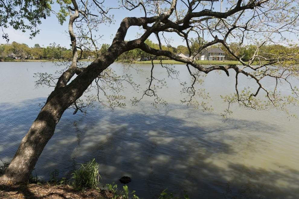 Architects, engineers team chosen for LSU lakes project _lowres