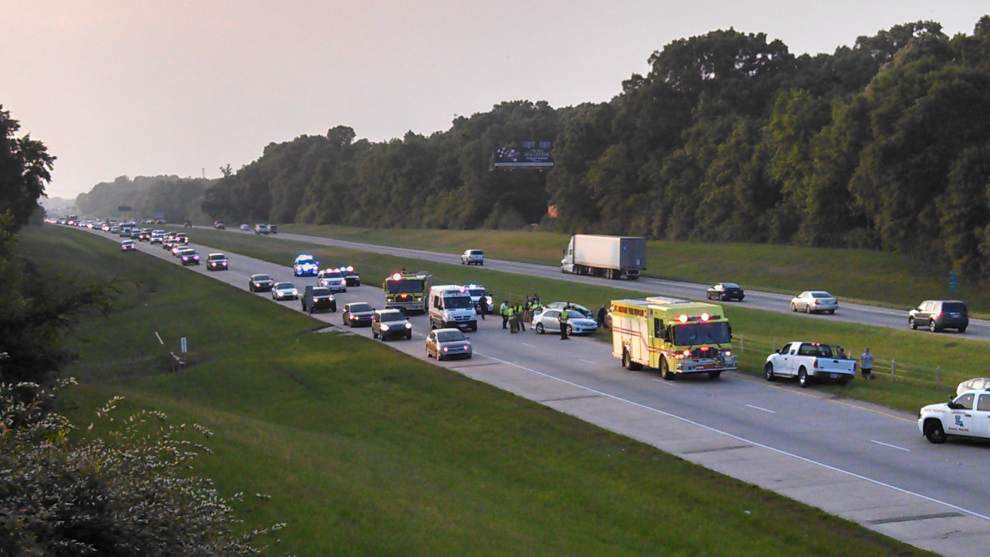 I-10 easbound traffic flowing again after accident _lowres