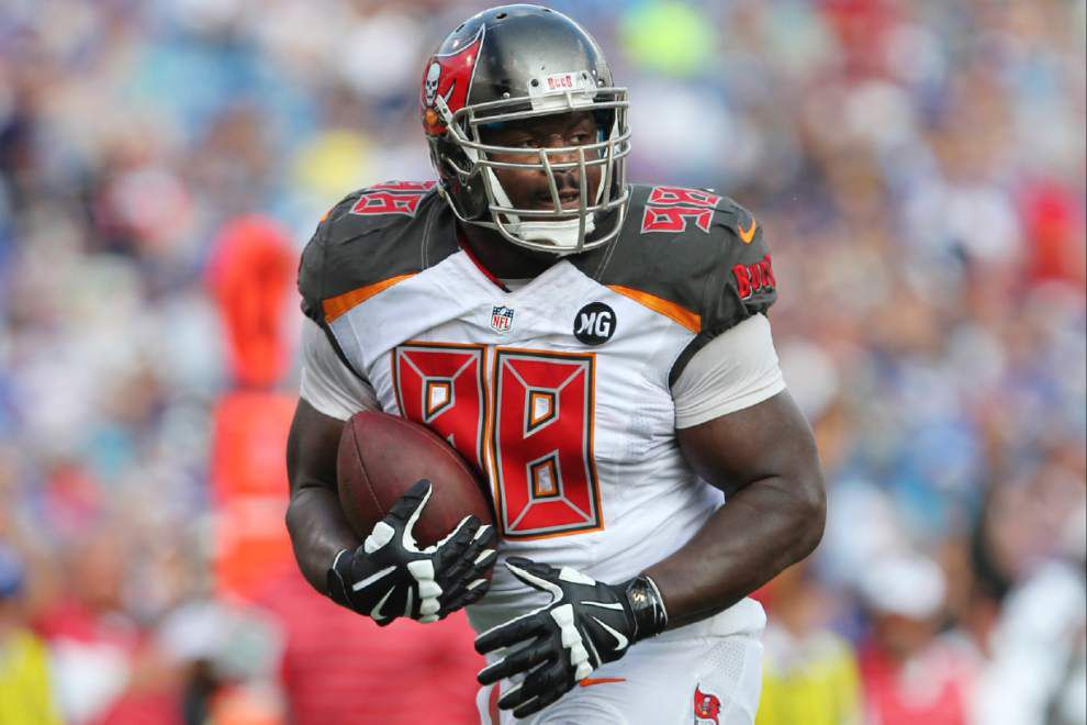 NFL preseason: Bucs start fast, roll past Bills 27-14 _lowres