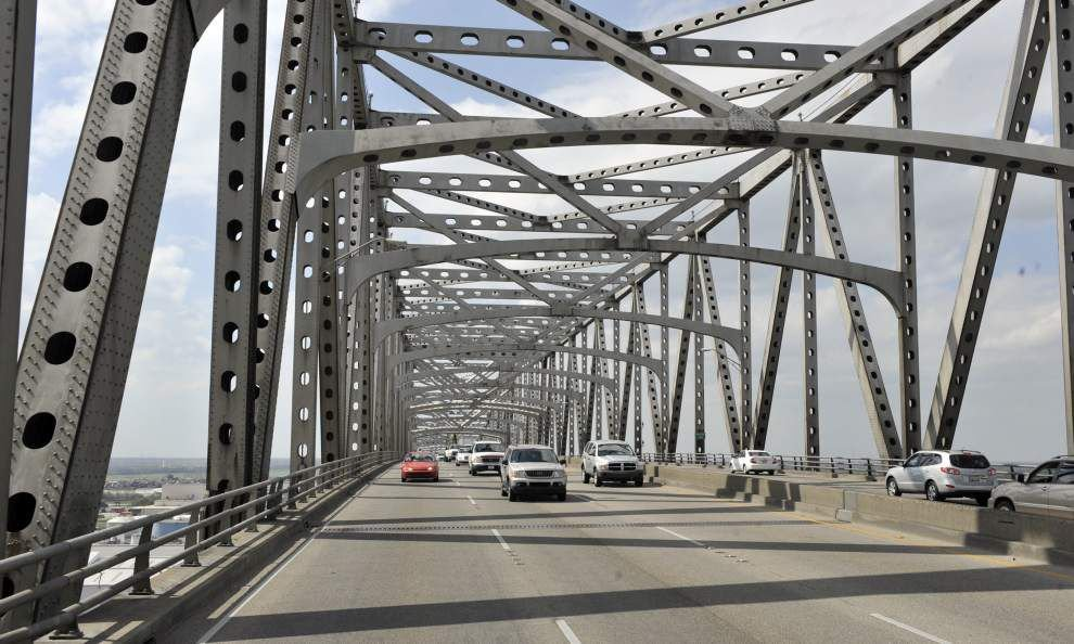 Fewer closures, problems on Mississippi River Bridge _lowres