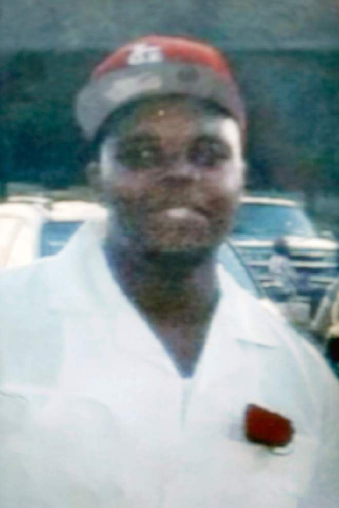 Autopsy shows close-range wound for Michael Brown in Ferguson police shooting, experts say _lowres