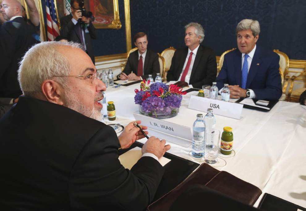 Facing deadline, U.S. and Iran press nuclear talks _lowres