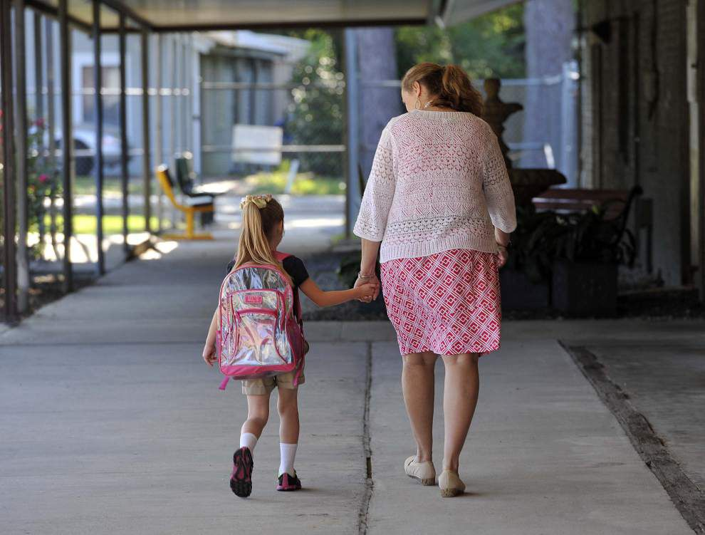Schools welcome students back for start of new year _lowres