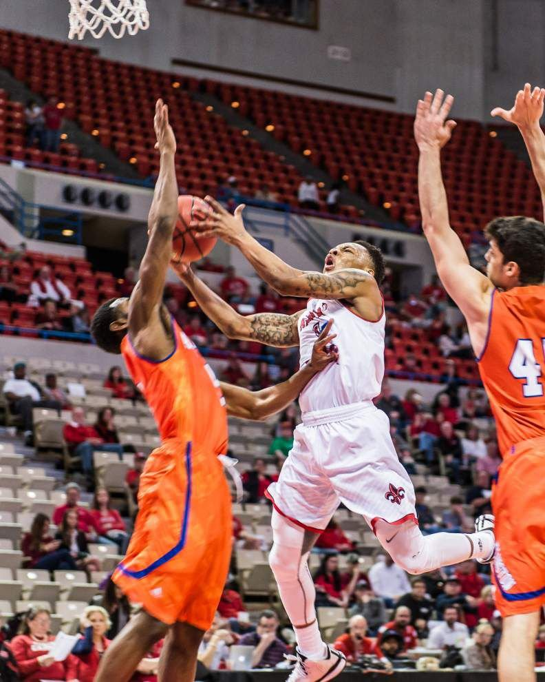Mavs' defense frustrates Cajuns for Sun Belt win _lowres