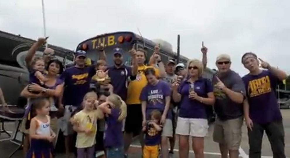 Fans gather at Tiger Stadium for tailgating fun _lowres