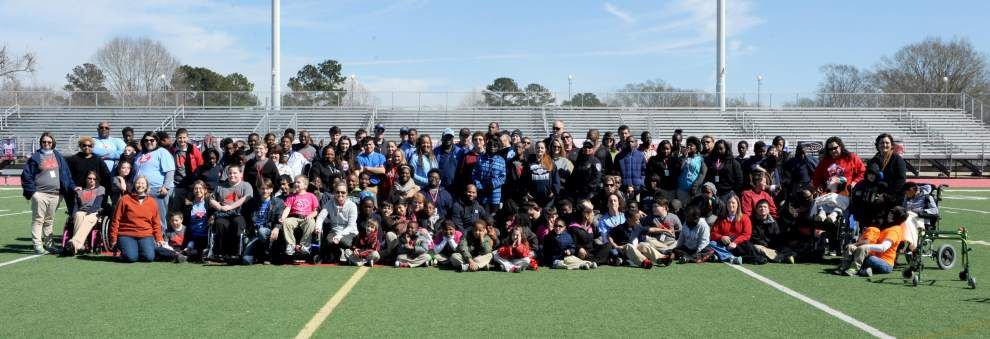 Students, volunteers come together for Time Trials _lowres