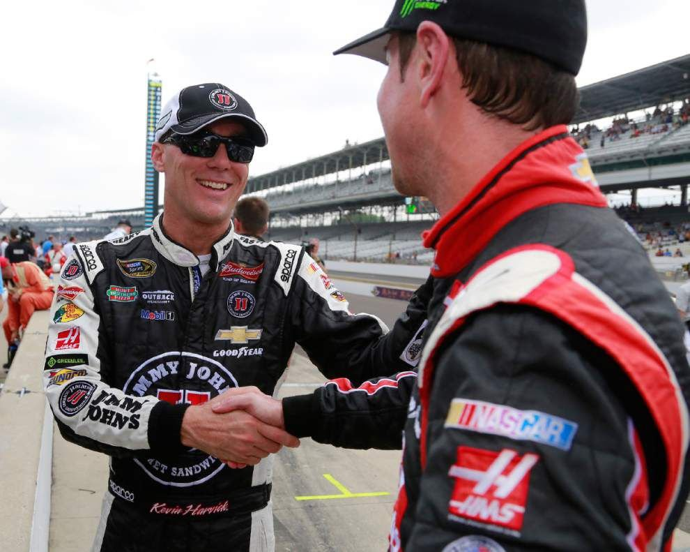 Kevin Harvick captures pole for Brickyard 400 _lowres