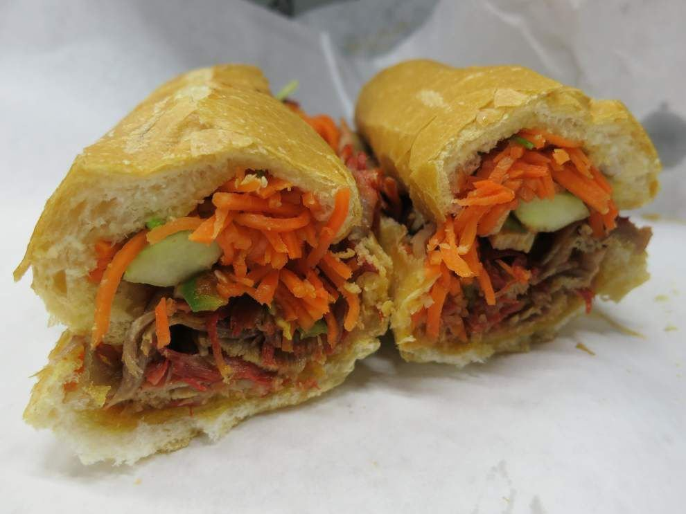 Digging In: At a Vietnamese deli, banh mi for bigger appetites _lowres