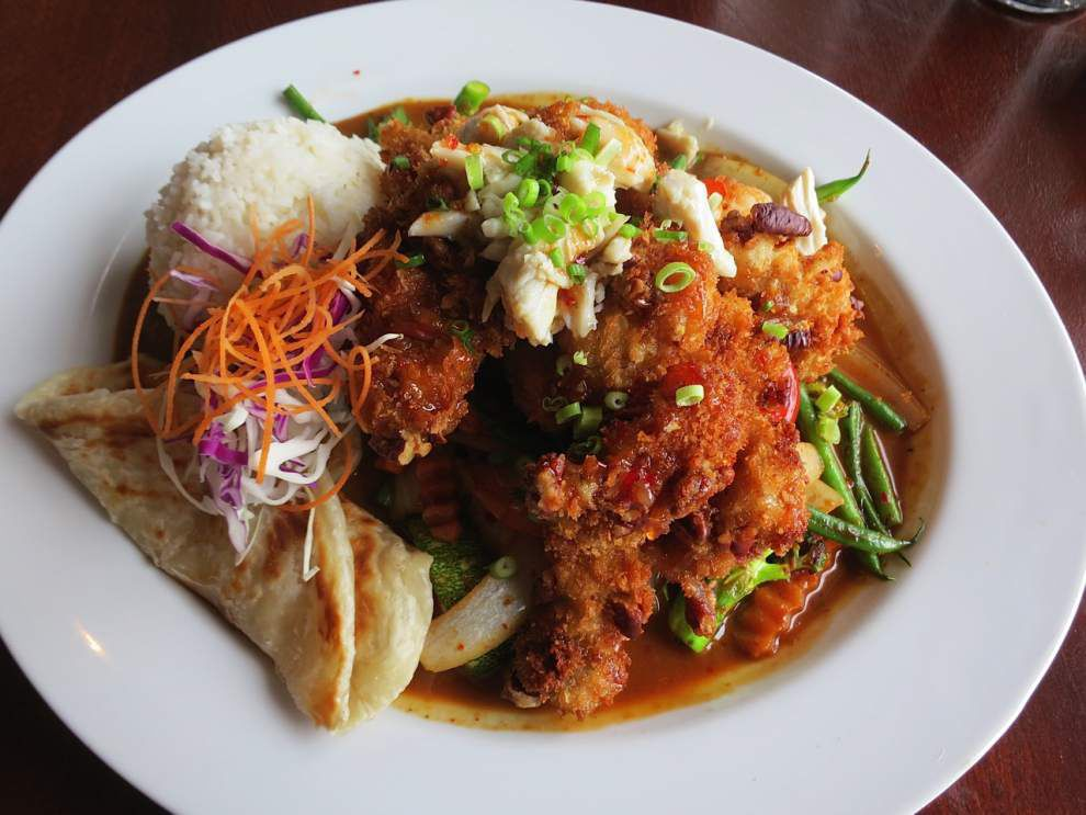 Gulf seafood meets jungly sauces, fiery chiles and a Thai tradition at West Bank cafe _lowres