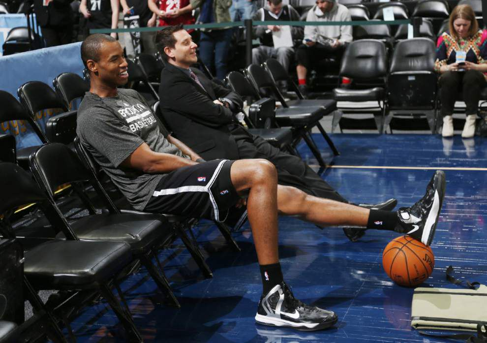 Jason Collins meets with Shepard's parents _lowres