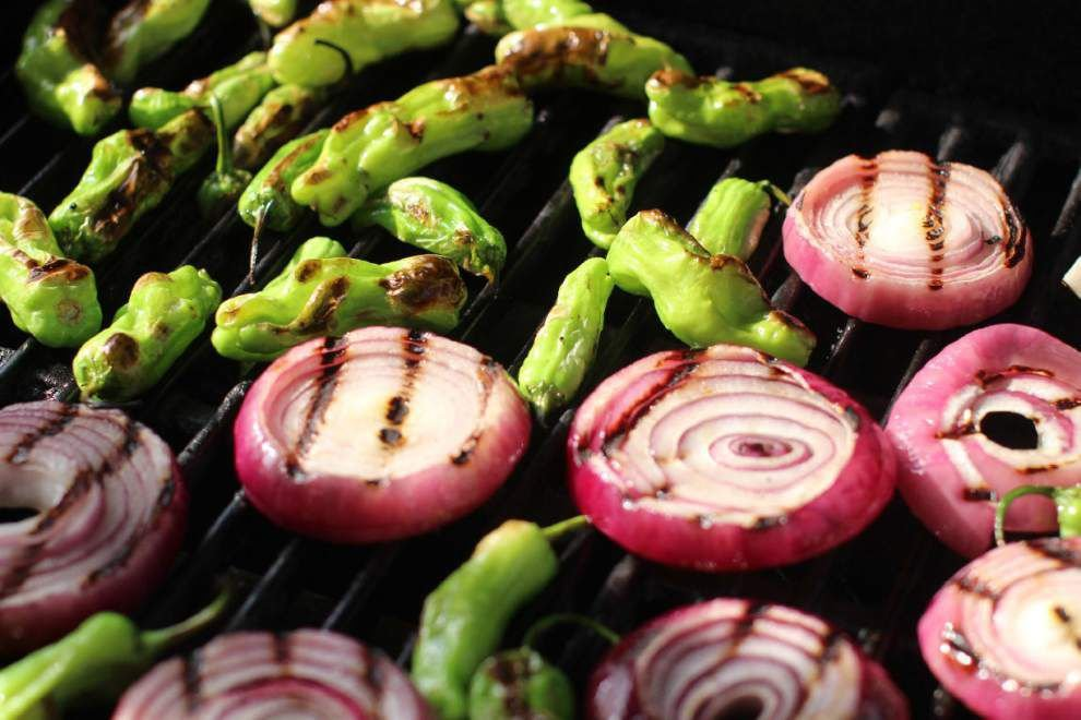 Grilled Red Onions and Shishito Peppers With Peanut Sauce _lowres
