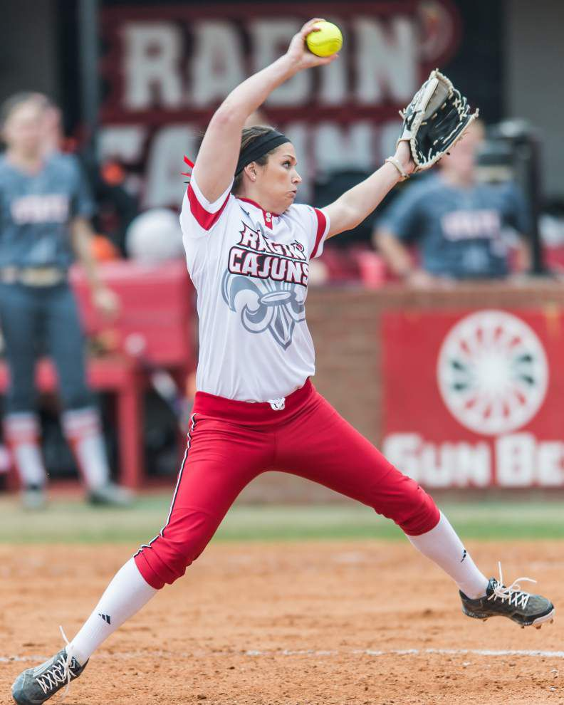 Cajuns softball team exudes confidence _lowres