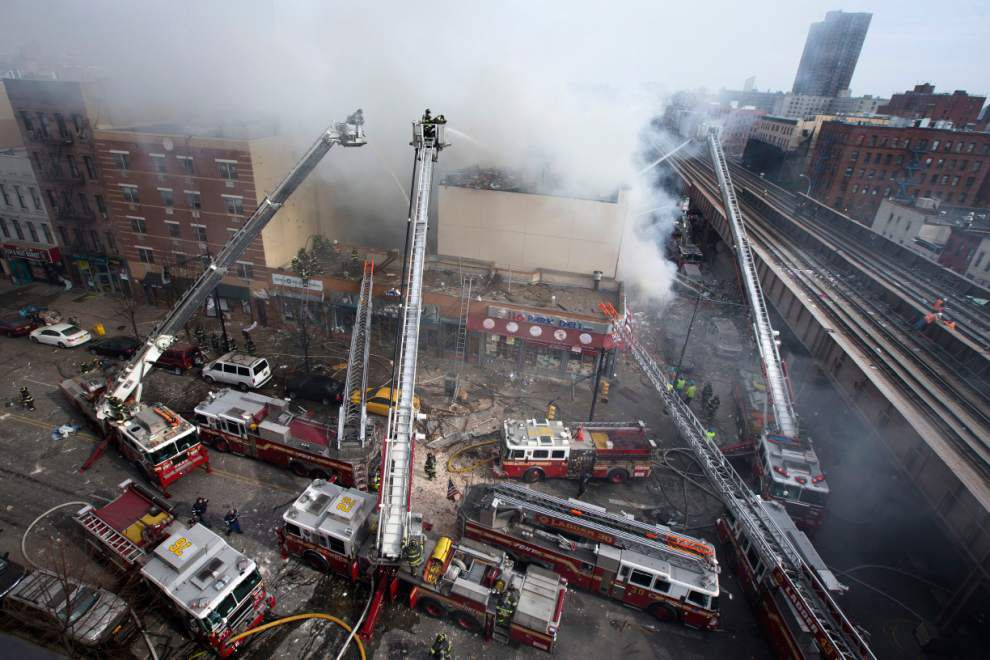 Blast destroys 2 NYC buildings; at least 3 dead _lowres