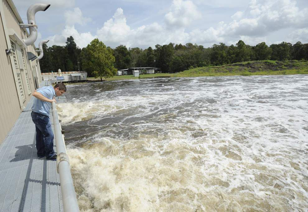 Ascension, St. James parishes join forces to build a levee, pump system to prevent flooding _lowres
