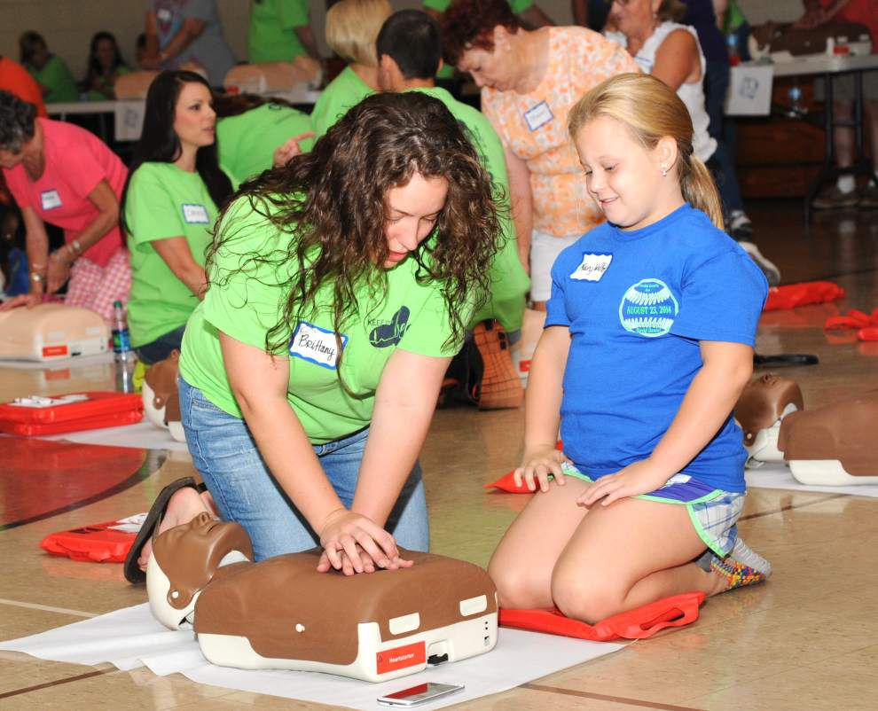 Community CPR training set for St. Francisville _lowres