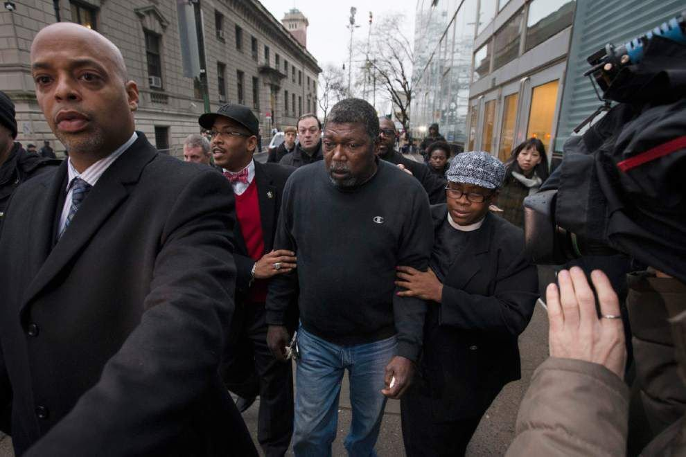 After killings by police, a debate over grand jury secrecy _lowres