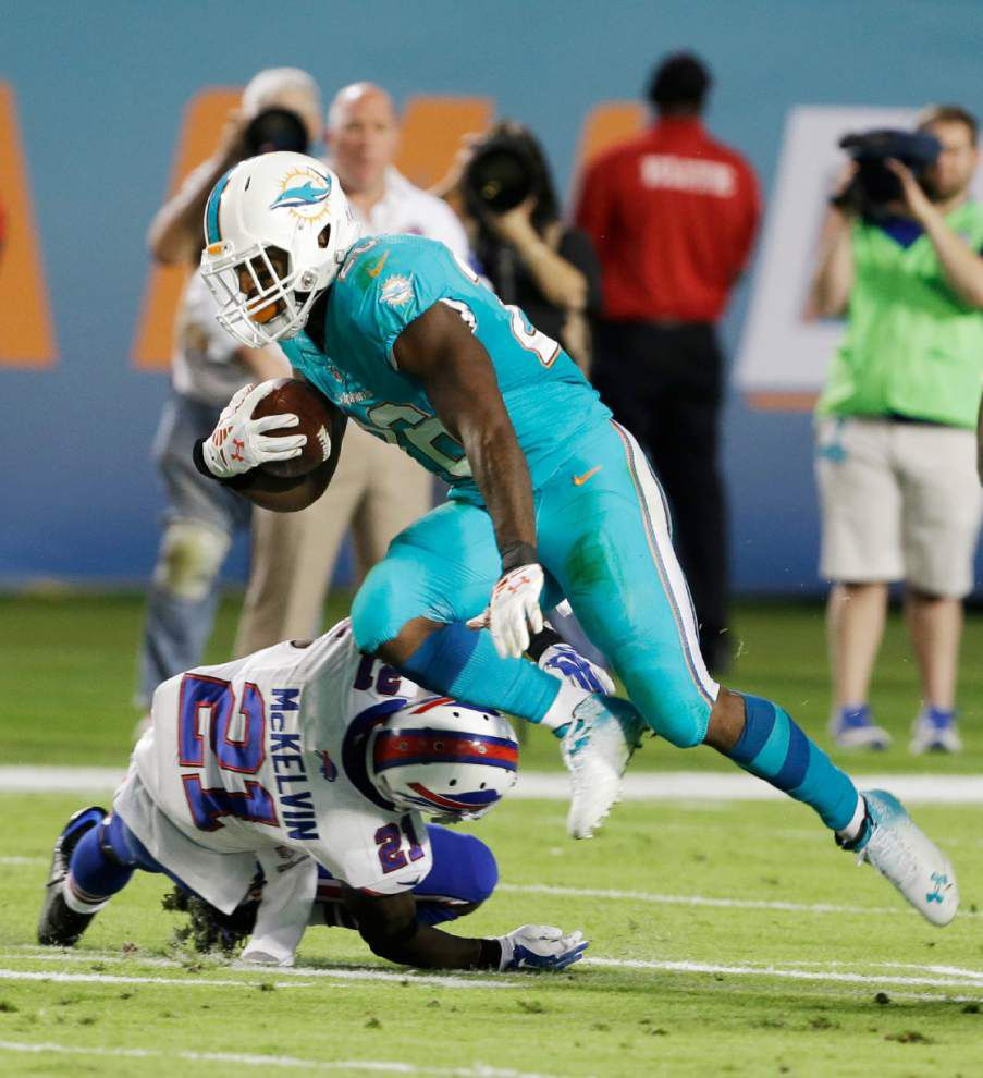 Tannehill rallies Dolphins past Bills _lowres