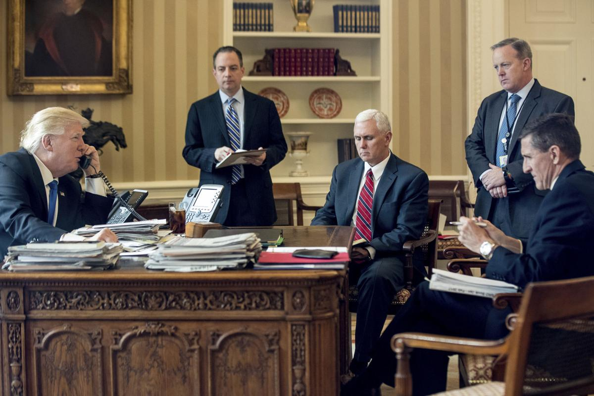 Donald Trump, Reince Priebus, Mike Pence, Sean Spicer, Michael Flynn