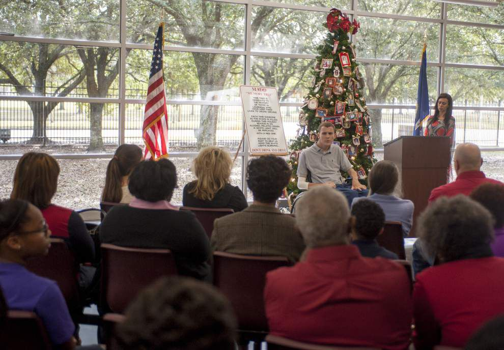 Christmas tree trimmed in tragedy tells story of drunk driving victims _lowres
