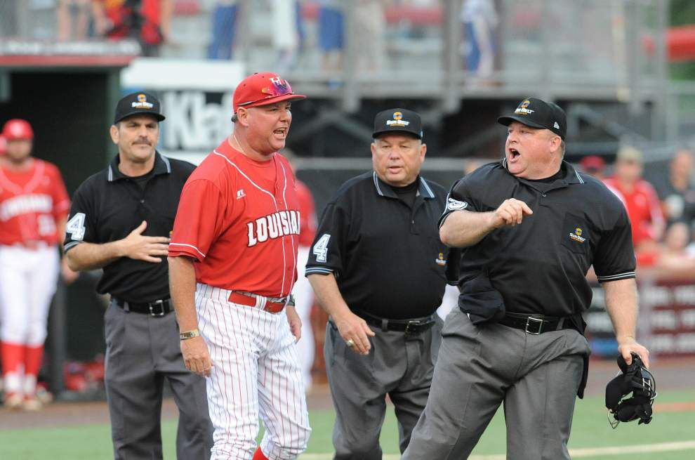 Sun Belt suspends umpires involved in Tony Robichaux flap _lowres