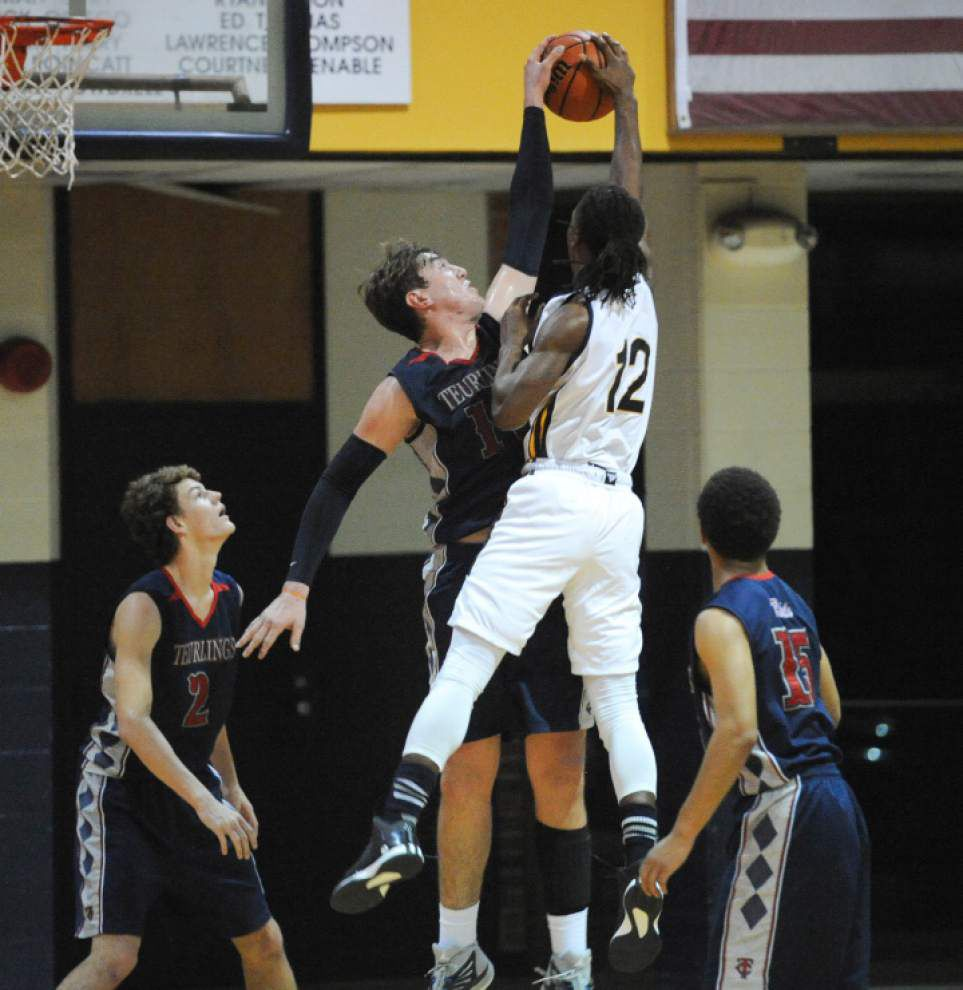 Teurlings Catholic edges Carencro in boys basketball _lowres