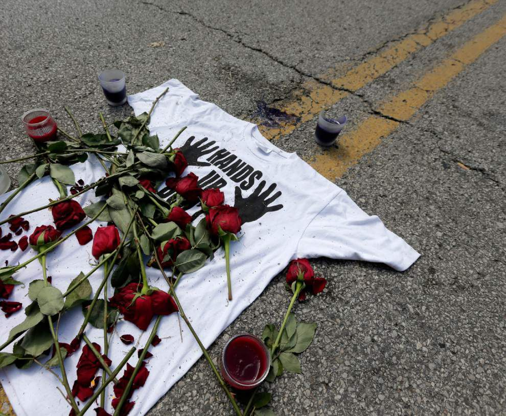 Ferguson pledges outreach efforts after shooting _lowres