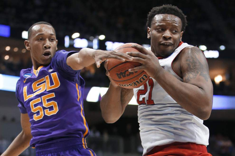 Anya last-second leaner lifts NC State rally past LSU 66-65 _lowres