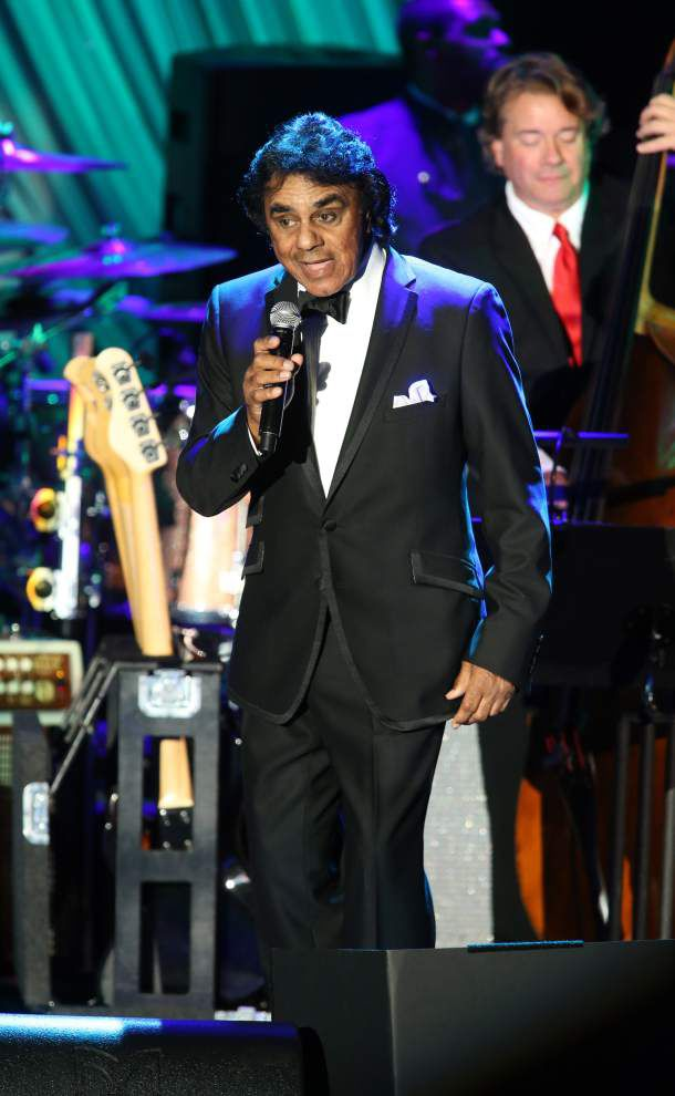 Friends of JoAnn Lintzen will remember her at crooner Johnny Mathis' Saturday show _lowres