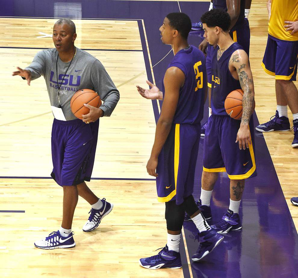 Notebook: LSU begins trek to basketball season _lowres