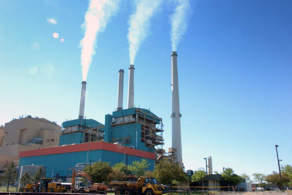 EPA seeks to cut power plant carbon by 30 percent _lowres
