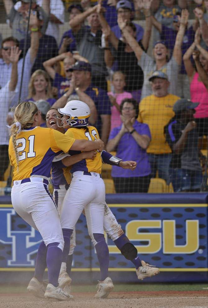 Photos: All the way back! Way to Geaux! _lowres
